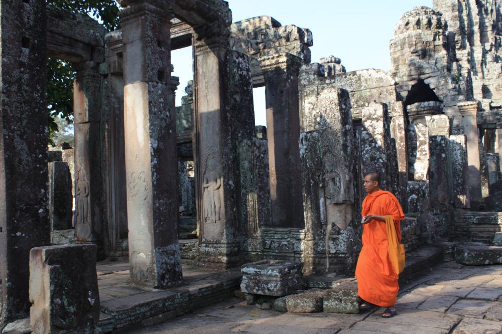 Die Mönche machen es in Angor Wat richtig: Früh aufstehen und nachmittags ruhen, wenn es zu heiß ist oder der Monsun die Niederschläge in die Höhe schnellen lässt.