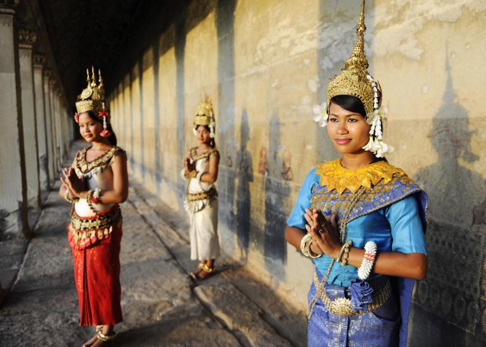 Bewohner von Siem Reap bei Angkor Wat (shutterstock/n Rawpixel.com)