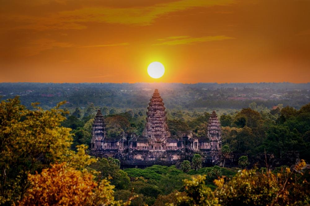 Sonnenaufgang in Angkor Wat (shutterstock Von Guitar photographer)