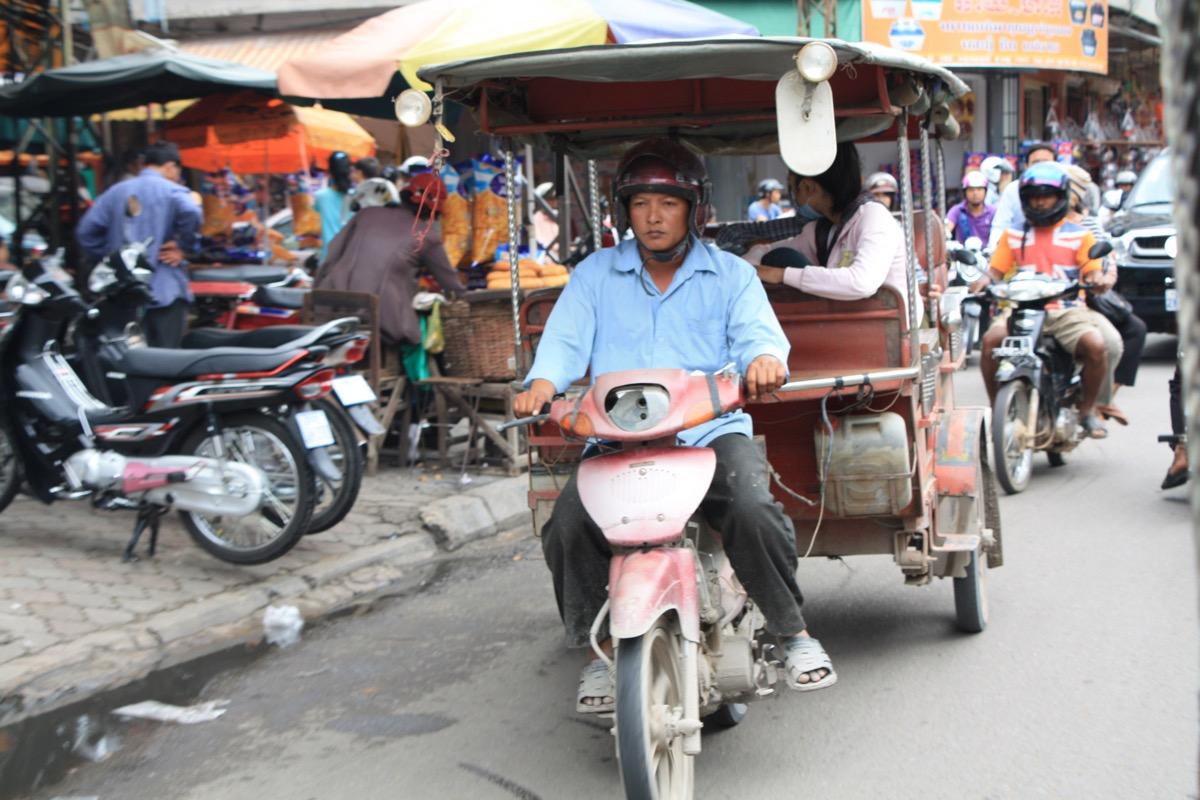 Tuk Tuks und Taxis sind meist sehr billig.