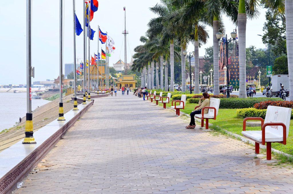 Sisowath Quay ist die Uferpromenade