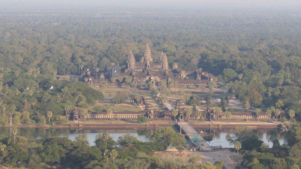 Luftbild von Angkor Wat aus dem Angkor Balloon.