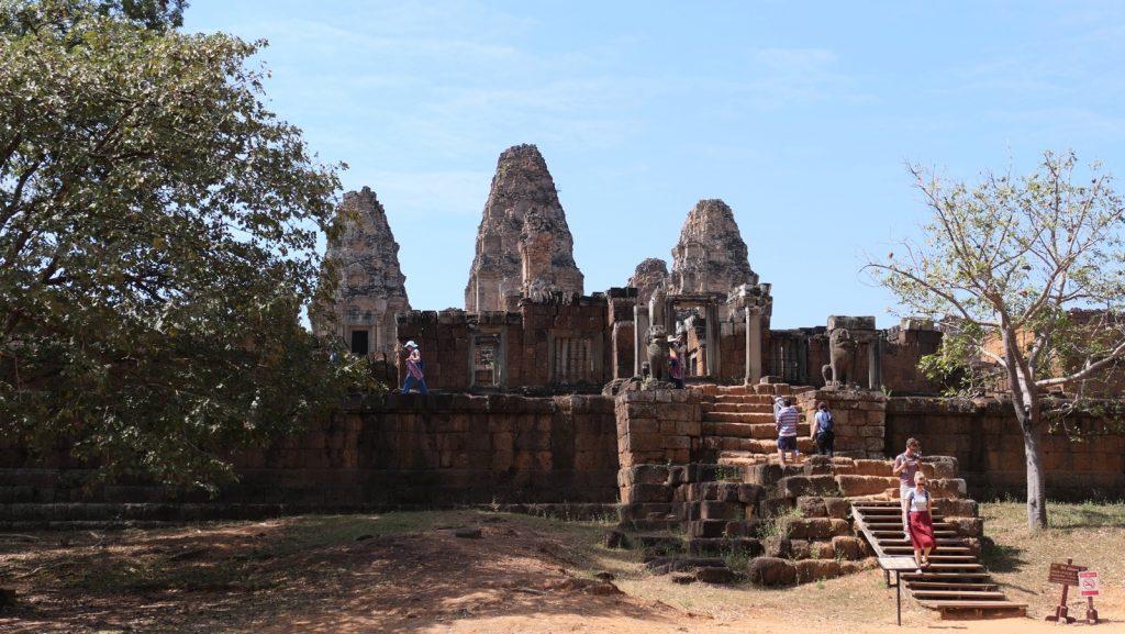 Der East Mebon in Angkor Wat vom Eingang aus gesehen.