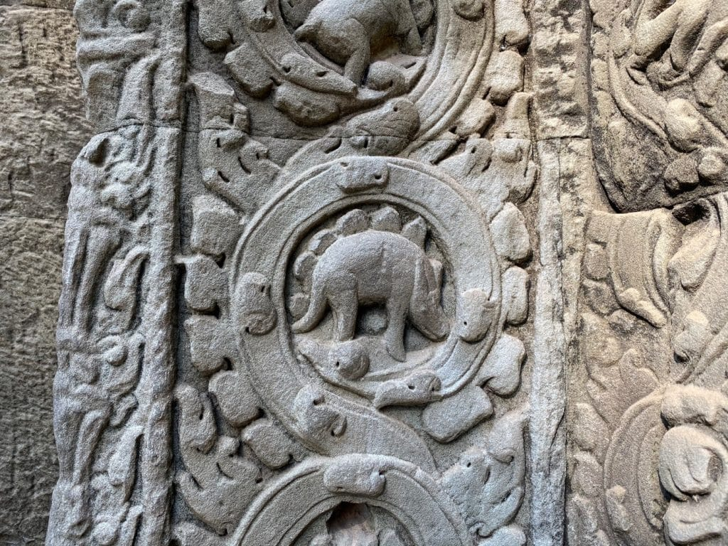 Ein Dinosaurier in Angkor Wat?